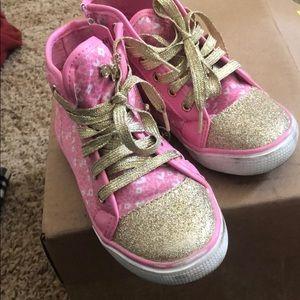 Girls sneakers